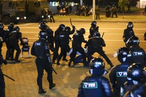Police use truncheons on protesters