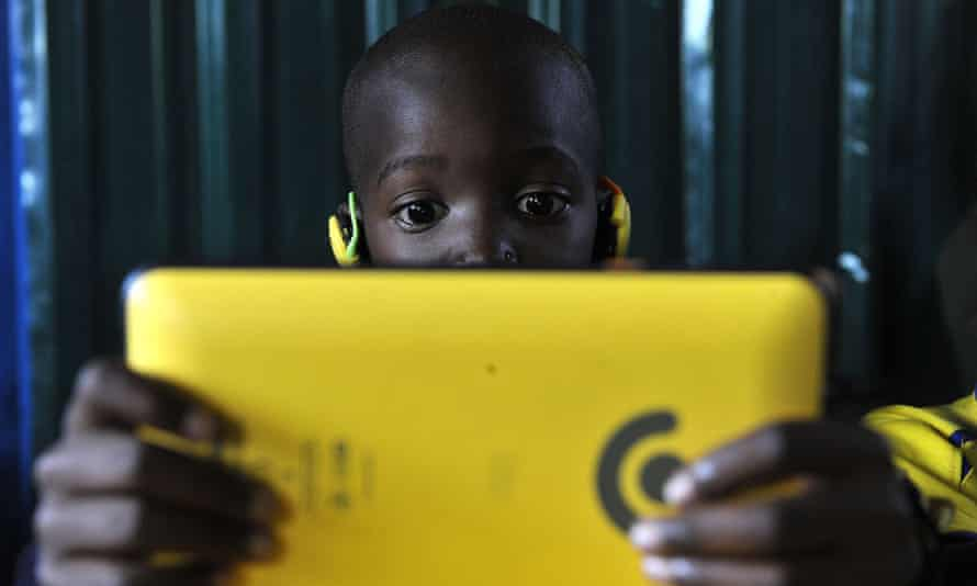 Tablet computer technology in use in a school in Kawangware, Nairobi.