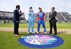 England win the toss and will bat first.