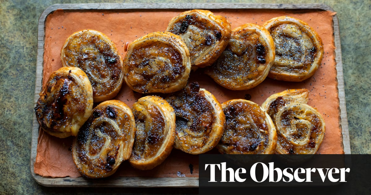 Nigel Slater's recipe for apple and sultana pastries