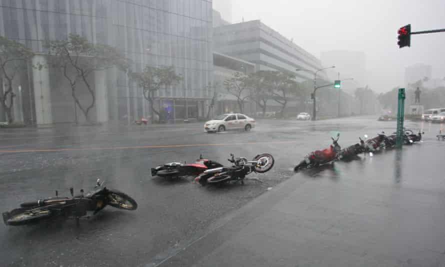 Typhoon Rammasun hits Manila in 2014.