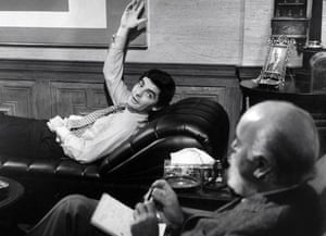 Richard Benjamin as Alexander Portnoy and DP Barnes as Dr Spielvogel in the 1972 film of Portnoy's Complaint.