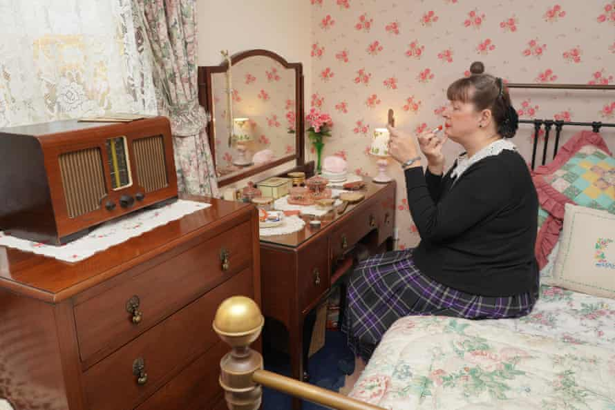 Julie Kelty lives in a 1940s home