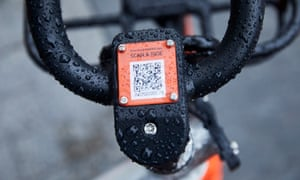 Users locate the nearest bike using GPS and the Mobike app then unlock it and pay using their phone.