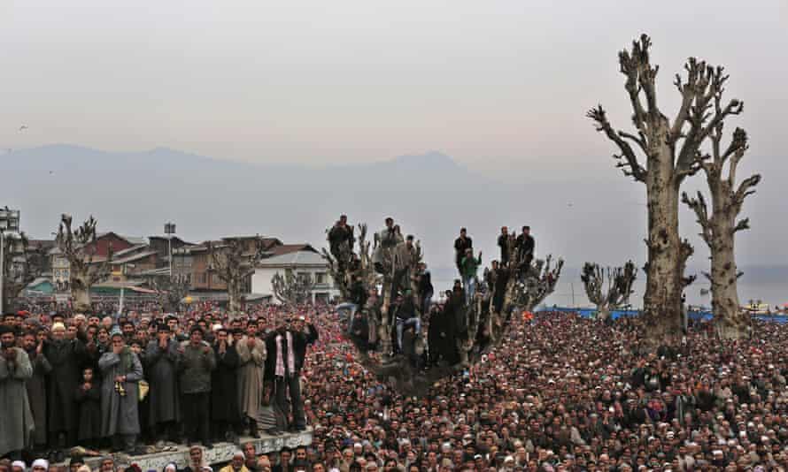 Kashmiri Muslims offer prayers to the prophet at the Kashmiri Muslims offer prayers to the prophet at the Hazratbal shrine