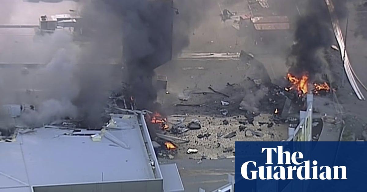 Essendon DFO plane crash pilot failed to complete checklist | World news | The Guardian
