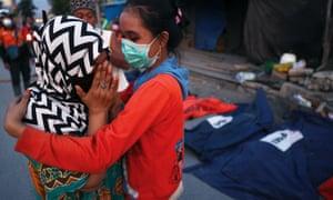 Indonesia quake survivors describe a hellish week – Trending Stuff