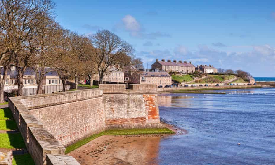 The Elizabethan town wall at Berwick-upon-Tweed.