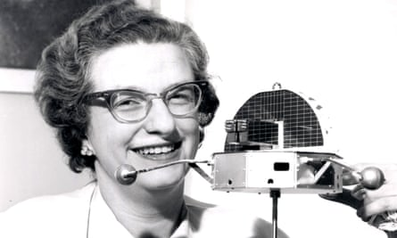 Roman with a model of a planned Nasa Orbiting Solar Observatory in 1962. Her work on the space telescope programme led Nasa to call her the 'mother of Hubble'.
