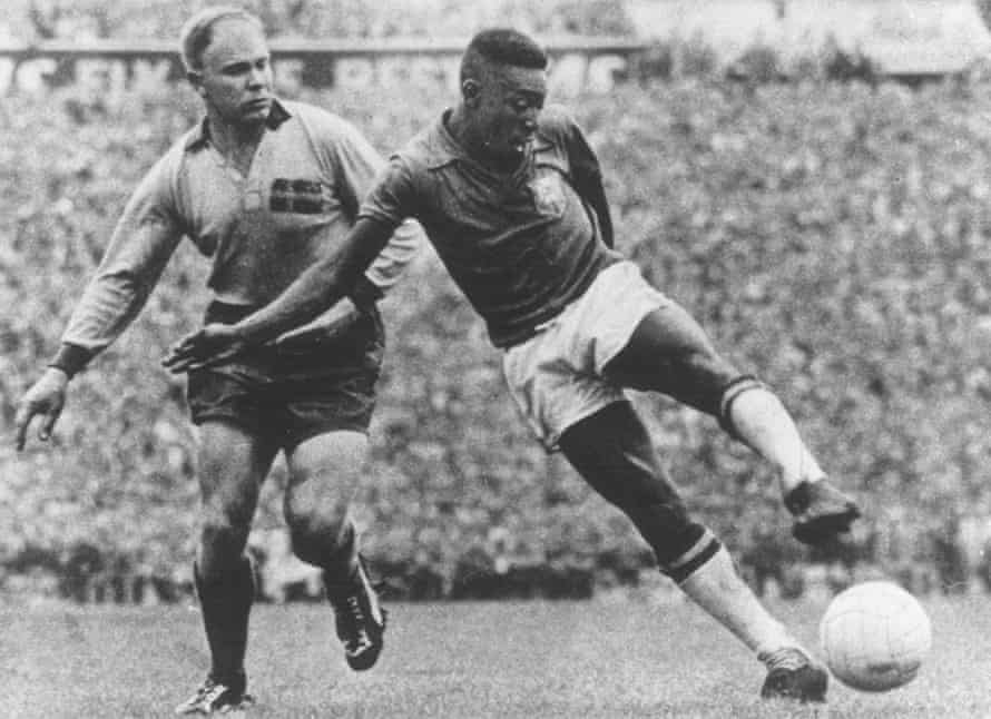 Pelé, right, and his Brazil team-mates had no problem with the white ball, beating hosts Sweden 5-2 in the 1958 World Cup Final.