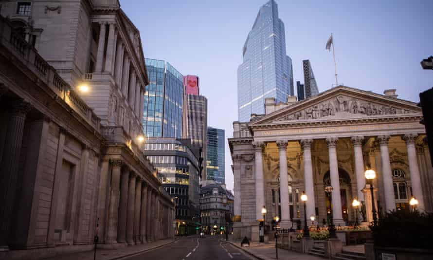 The Bank of England plans to expand its quantitative easing programme to £895bn.