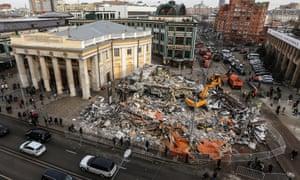 Demolished shops near the entrance to Novoslobodskaya metro statio