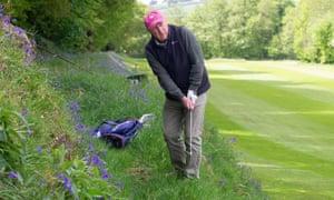«C'est un mode de vie» - soulagement et exaltation alors que le golf et le tennis reprennent à travers l'Angleterre