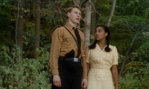 Leyna (Amandla Stenberg) and Lutz (George MacKay) in Where Hands Touch