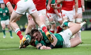 Ireland's Andrew Porter fails in his attempt to ground the ball.