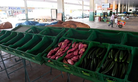 Mostly empty crates are seen in a vegetables stall at Brasília's Central Food Supply (Ceasa) on Friday as the truckers' strike, causes severe food shortages in the capital.