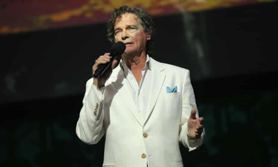 BJ Thomas performed in 2015. He battled drug addiction to the bottom.  But was able to quit in 1976. He also found religion.