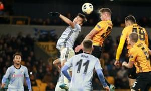 Leander Dendoncker of Wolverhampton Wanderers scores his team's third goal.