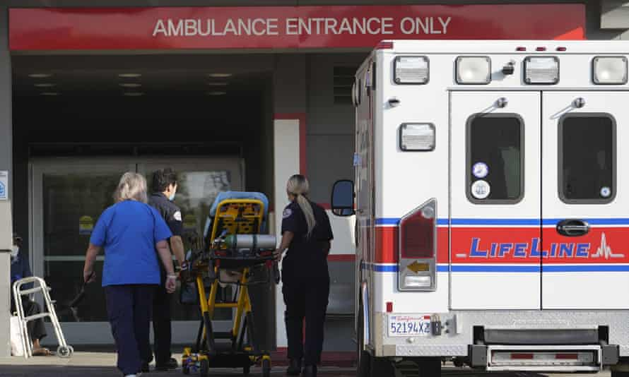 An ambulance arrives at the CHA Hollywood Presbyterian medical center in Los Angeles on 5 January.