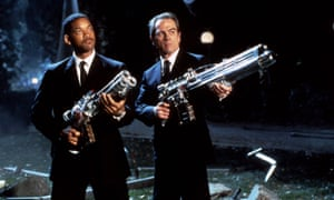 Will Smith and Tommy Lee Jones in Men in Black (1997).