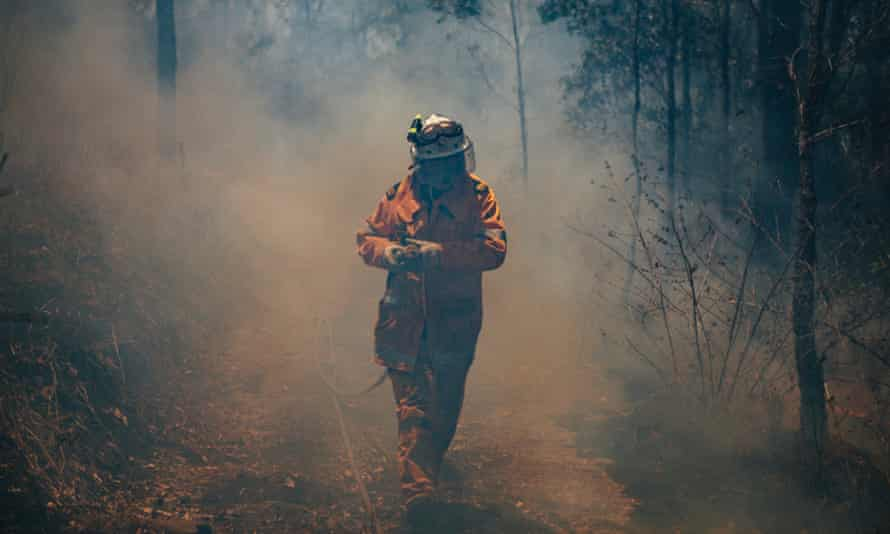 Firefighters battle bushfires in Tarome and Lower Beechmont, Queensland on Wednesday