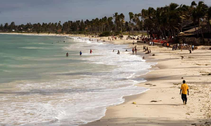 Coco beach... no entrance fee<br>