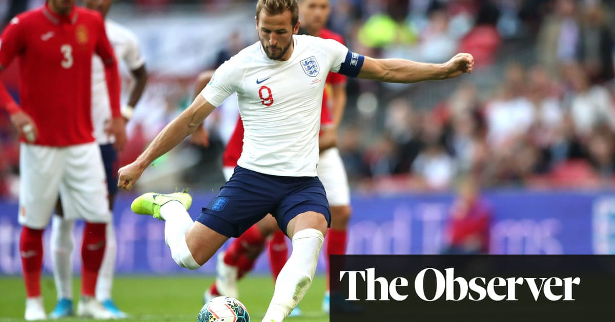 Harry Kane hits hat-trick in Englands demolition of blundering Bulgaria