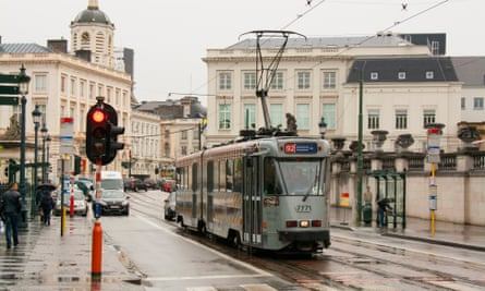Tramcar 7771 works it way at line 92 to Schaarbeek over one of the main streets of Brussels