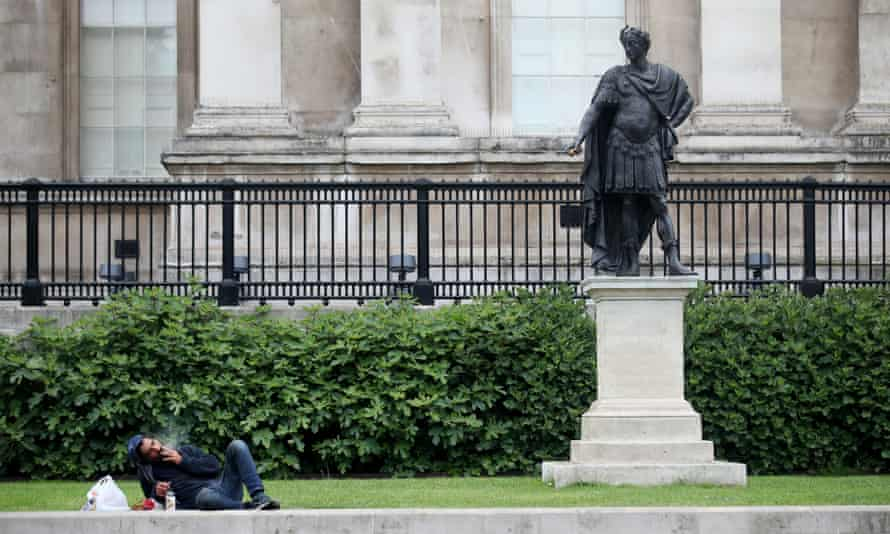 The statue of King James II in front of the National Gallery.