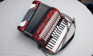 Suggest a song featuring an accordionist you think others should hear.