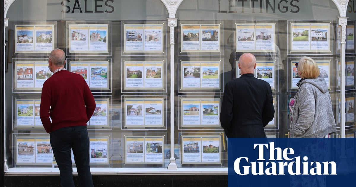 'Race for space' fuels 10.9 % surge in UK house prices