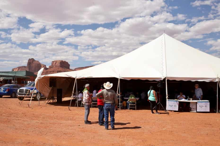 People gather for a Navajo Nation voter registration event in 2018.