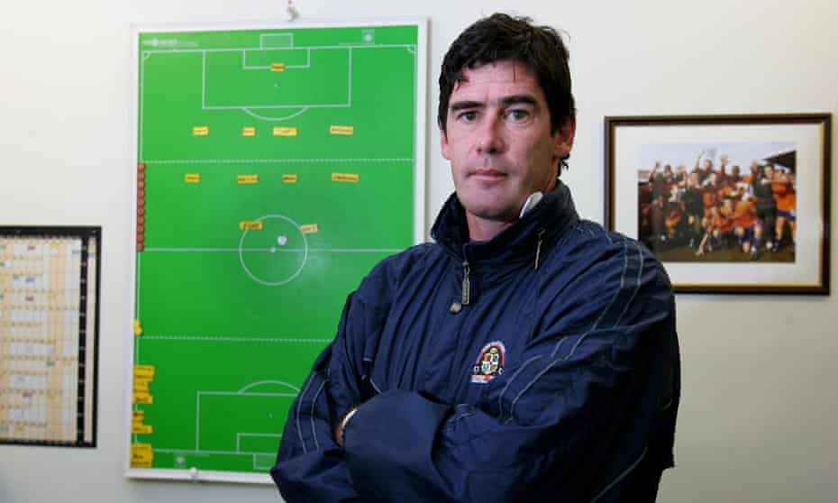 Mike Newell at Kenilworth Road in 2004.