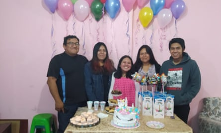 Grover Ponce, his wife Paola Medina and their children Valeria, 10, Alejandra, 20, and Alvaro, 16.