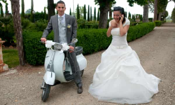 Italian wedding couple in Tuscany