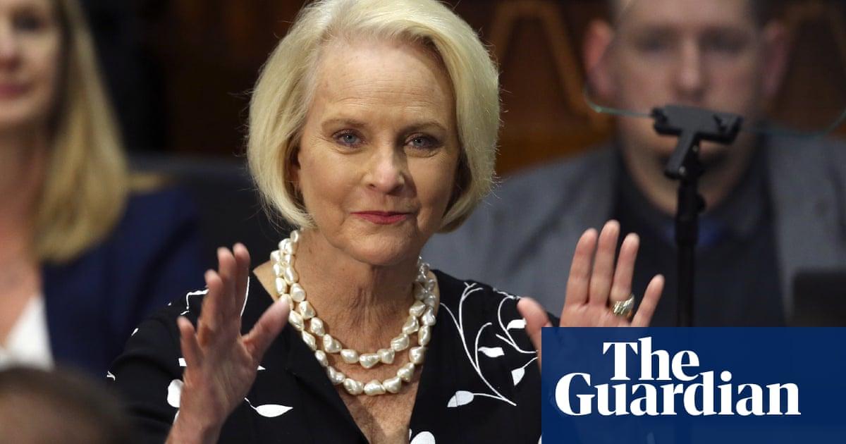 Arizona Republicans censure McCain, Flake and Ducey over Trump split