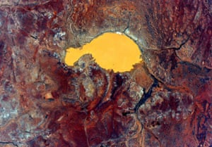 The exact locations of Kelly's image can be hard to determine, but most are of the arid centre. This is likely a salt lake.
