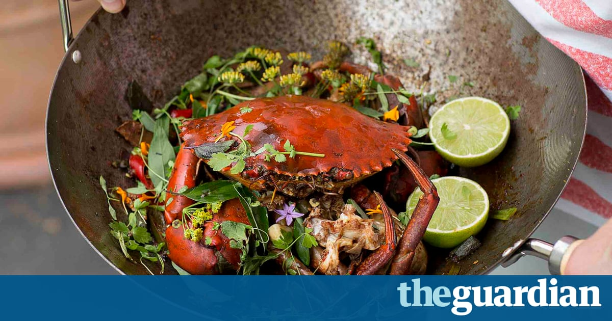 Great Australian cookbook – chilli mud crab, prawn rolls and oyster pies recipes