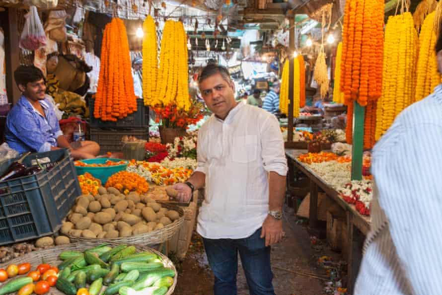 Vivek Singh shops for lunch in Jaggu Bazar.