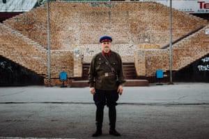 Dmitry, 43, second world war, major in secret police