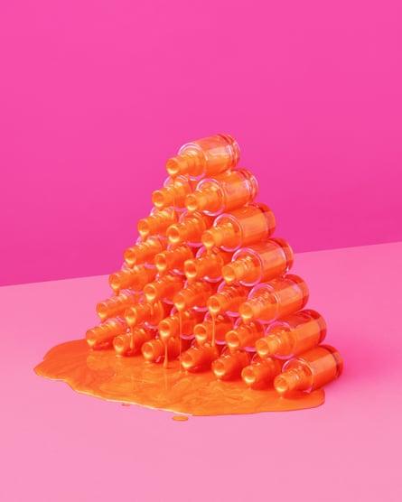 nail varnish pyramid