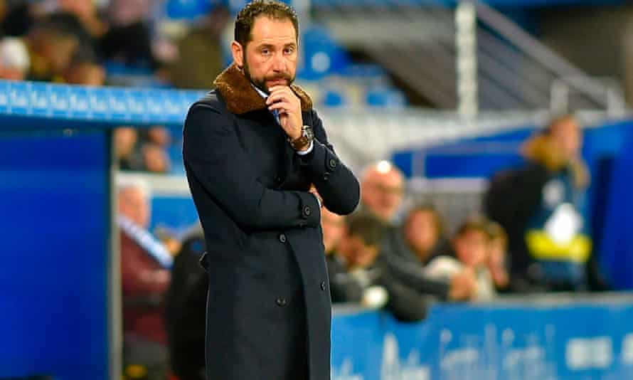 Pablo Machin looks on at Alaves