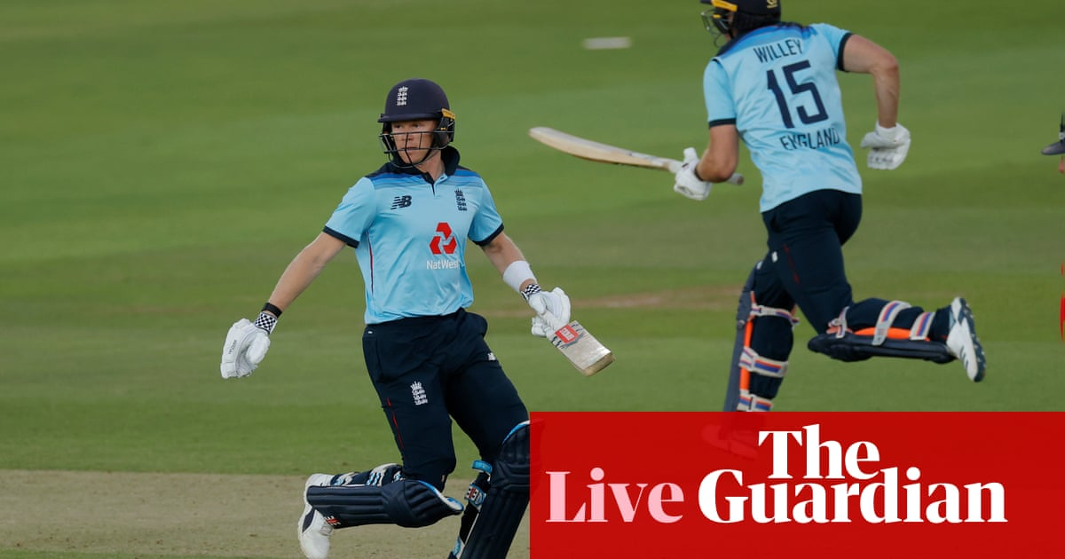 England beat Ireland by four wickets: second one-day international – as it happened