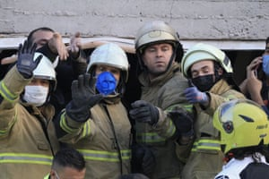 Search and rescue workers in İzmir