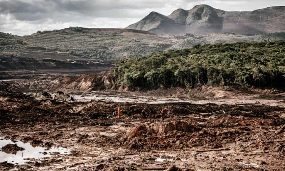 A sea of mud below Corrégo de Feijão where rescuers search for bodies.