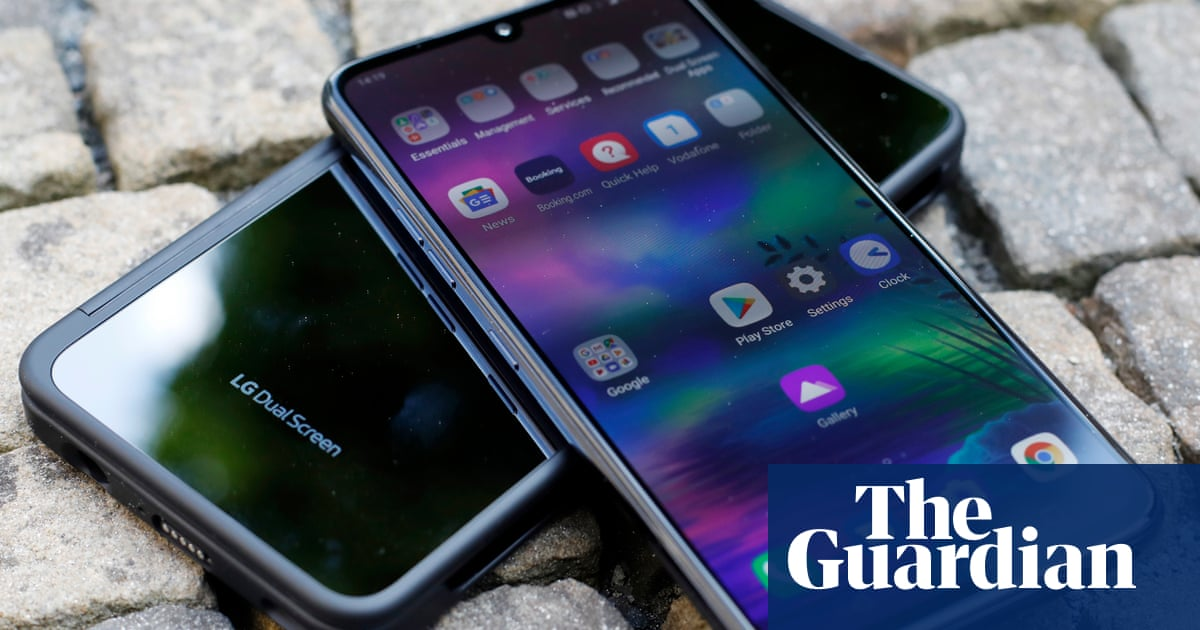 LG to pull out of mobile phone market