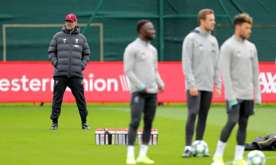 Jùrgen Klopp oversees training at Melwood on Tuesday.