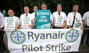 Ryanair pilots on strike outside Dublin airport