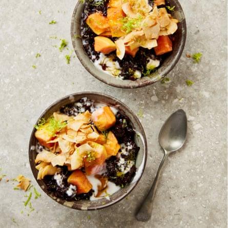 Black rice with papaya and ginger syrup