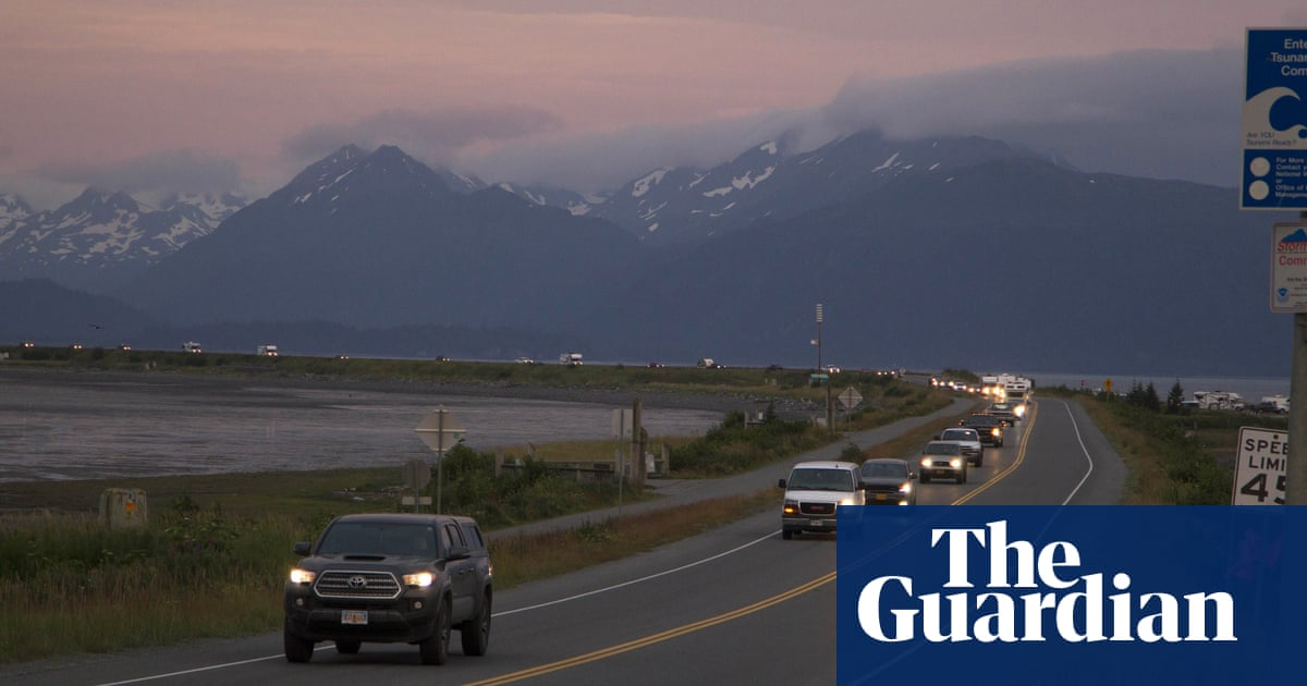 Alaska earthquake prompts tsunami warnings as people take shelter